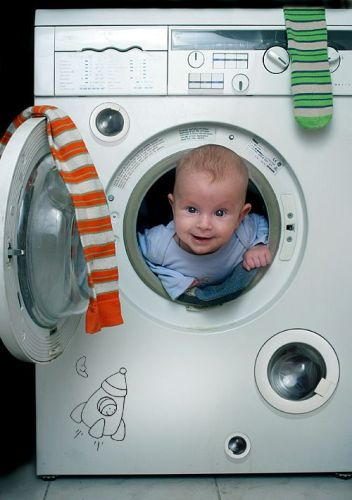 Funny Washing Machine ~ Baby in a washing machine picture caption
